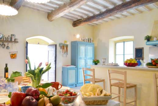Podere Castelluccio - Fantastic large kitchen great for those passionate about cooking.