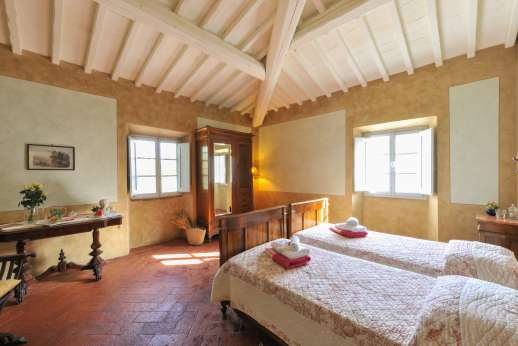 Podere Castelluccio - First floor, air-conditioned twin bedroom.