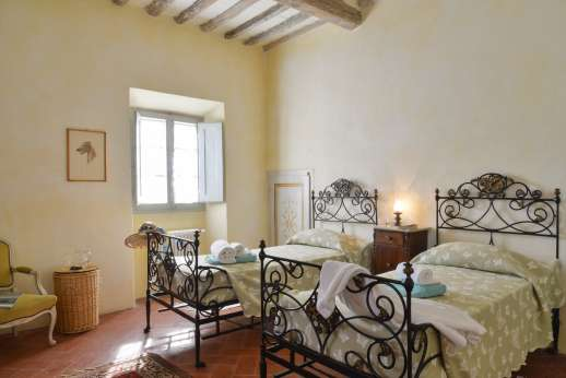 Podere Castelluccio - Another of the twin bedrooms.