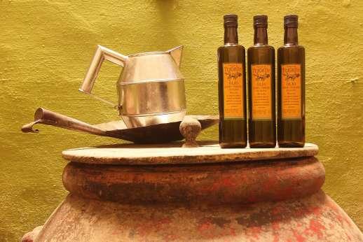 Podere Castelluccio - Podere Castelluccio's locally produced olive oil.