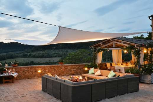 Podere Celli - Terrace also with seating area to enjoy the stunning views over the countryside.