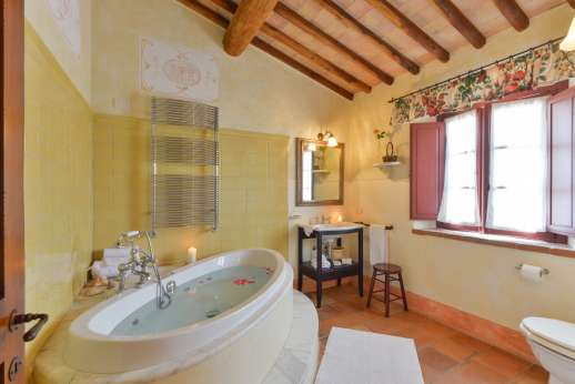 Podere Celli - The en suite bathroom.