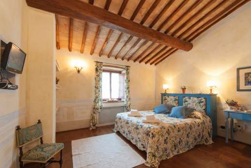 Podere Celli - Another of the air conditioned double bedrooms.