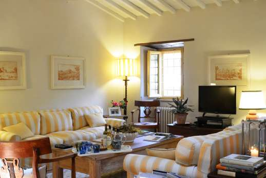 Podere Guicciardini - First floor sitting room.