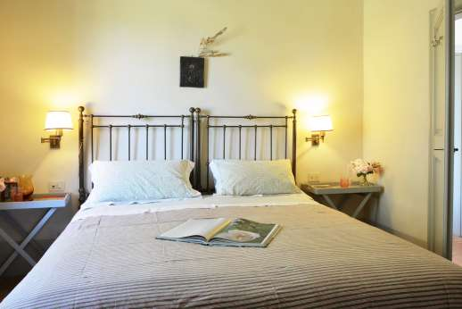 Podere Guicciardini - Air conditioned double bedroom on the first floor.