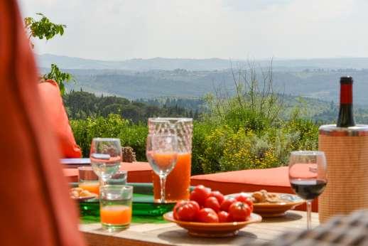 Podere Guicciardini - Podere Guicciardini is a beautiful way to experience Italy