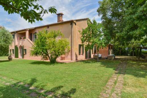 Poggio Alto - A classic Tuscan farmhouse dating from the 17th century.