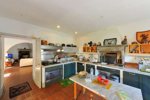 Poggio Alto - Poggio Alto has a very well equipped kitchen with plenty of space to cook and prepare your meals.