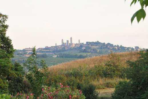 Rosa Dei Venti - The wonderful town of San Gimignano is only 3.5km/2 miles from Rosa dei Venti.