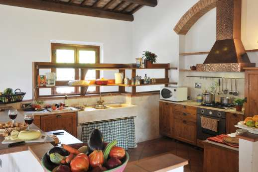Rosa Dei Venti - The very well equipped Kitchen, cook for yourself or have some one cook for you.