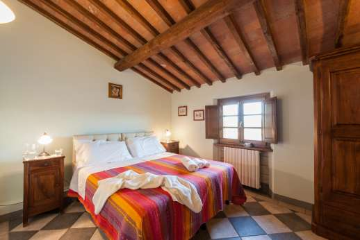 Rosso Fiorentino - Second floor air-conditioned double bedroom convertible to twin