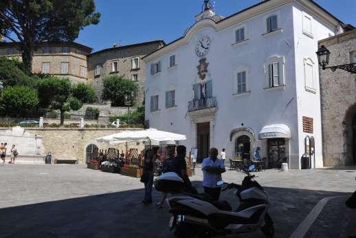 Santi Terzi - Square in San Gemini