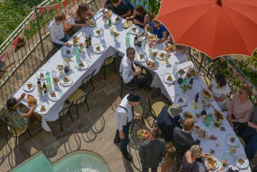 Santi Terzi (x 14 people) with Staff and Cook - The terrace laid out for the wedding