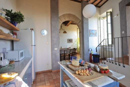 Santi Terzi (x 14 people) with Staff and Cook - Ground floor summer kitchen and dining area