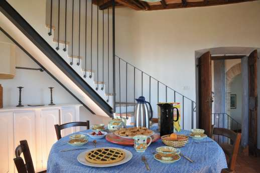 Santi Terzi (x 14 people) with Staff and Cook - Breakfast room between floors