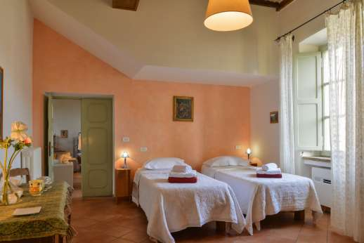 Santi Terzi (x 14 people) with Staff and Cook - Air conditioned twin bedroom [convertible to double] with an ensuite bathroom with bath