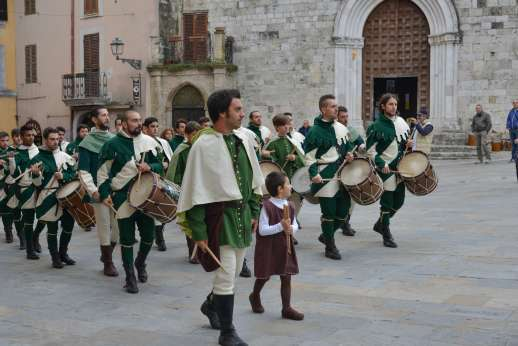 Santi Terzi (x 14 people) with Staff and Cook - Medieval festival in San Gemini