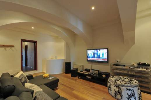 Tenuta Almabrada - Mid level Home theatre TV room