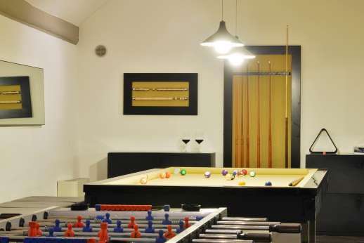 Tenuta Almabrada - Lower level games room