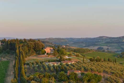 Tenuta Almabrada - Surrounded by olive groves and vineyards