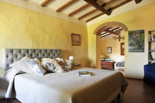 The Estate Of Petroio - Air-conditioned double bedroom suite on the first floor of the guest house in Il Borgo di Petroio with an en suite bathroom.
