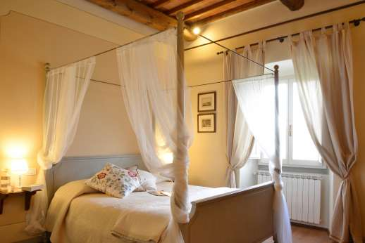 Weddings at The Estate of Petroio - Four poster double bedroom in the east wing.