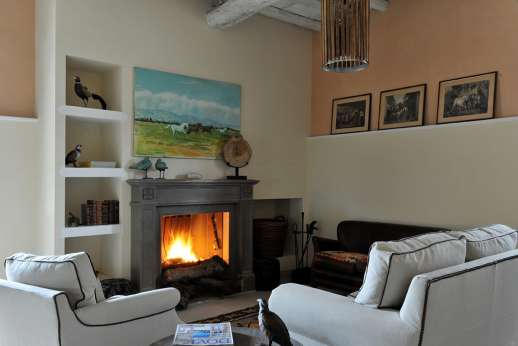 The Estate of Petroio with Staff and Cook - The rooms are all furnished very tastefully with collections of paintings, traditional black and white photos, drawings and a wide selection of English books. Il Borgo di Petroio