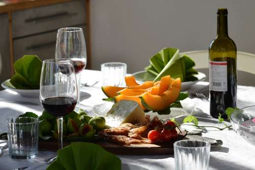 Tizzano - Great opportunities to sample wine and food combinations.
