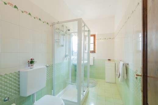 Val di Castello - Bathroom with shower
