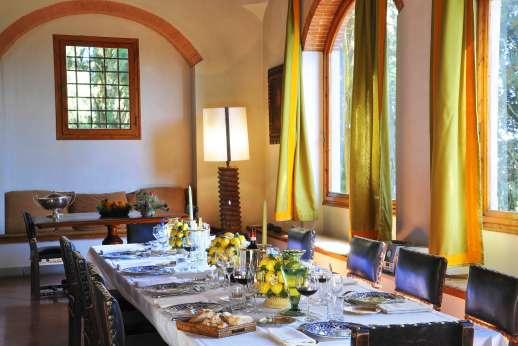 Vecchia Fattoria - Large, elegant dining room.
