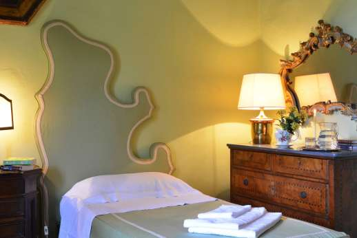 Vecchia Fattoria - One of the single beds in the twin room.