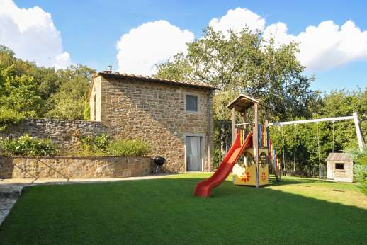 Villa al Monte - The large garden and play area.