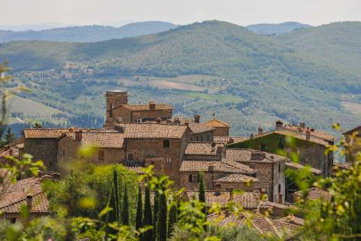 Villa al Monte - It seems that you can stretch your arms out and touch the nearby hamlet.