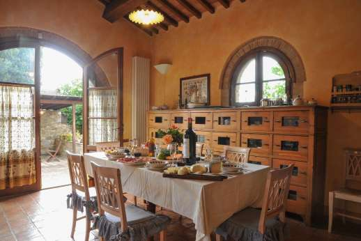 Villa Altea - Take advantage of the cook service available at the villa, cooking lessons can be arranged on request to savor typical Tuscan dishes.