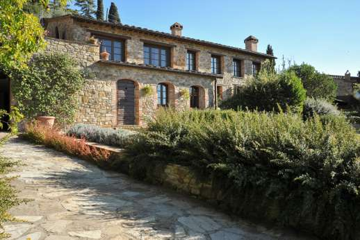 Villa Altea - Villa Altea, perched on a hillside between Florence and Siena, has been meticulously refurbished to a very high standard transforming it into a warm and charming country home.