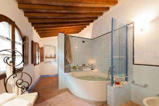 Villa Altea - Down 14 wood steps is the en suite bathroom with shower.