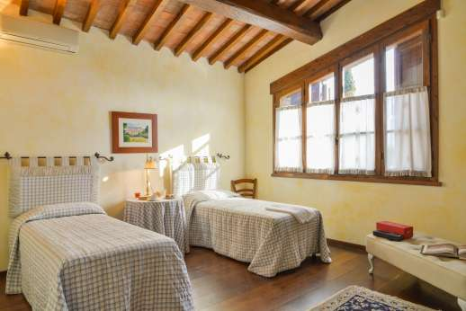 Villa Altea - Air conditioned twin bedroom [convertible to double