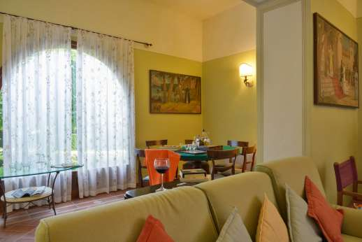 Villa Astori - The sitting room has many areas