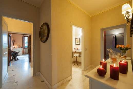 Villa Atena - First floor hallway