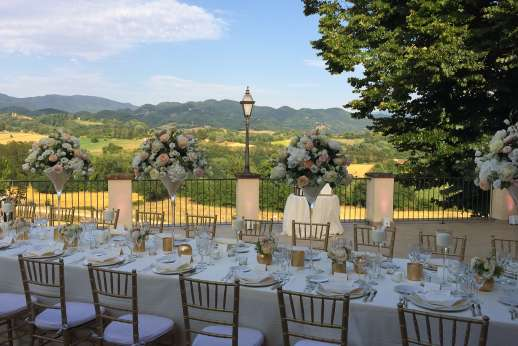 Weddings at Villa Atena - The owner is an events organizer and wedding planner and will take care of everything on your special day.