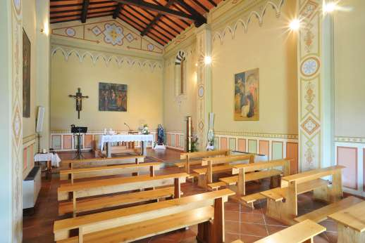 Weddings at Villa Atena - Interior of the Chapel