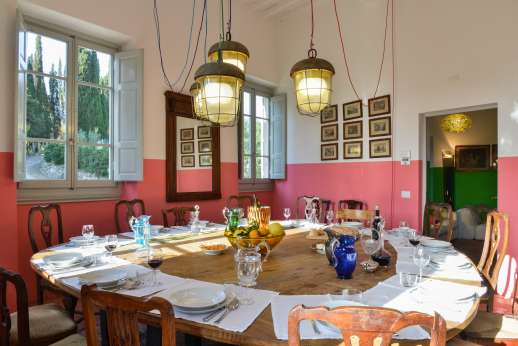 Villa Caprolo - The dining room, doors lead out to the terrace.