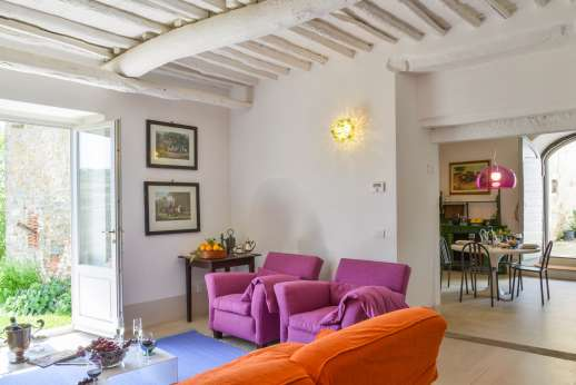 Villa Caprolo - Another view of the sitting room leading through to the Kitchen in the Independent suite (x20 option only)