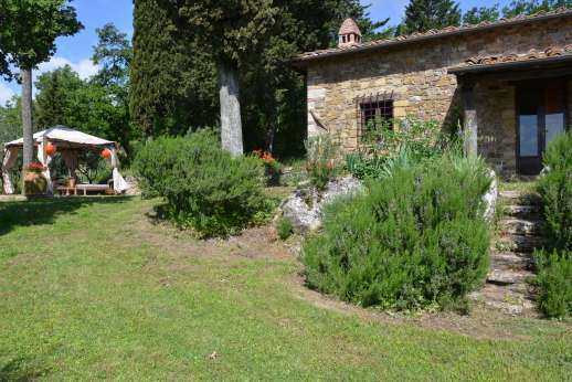 Villa Cignano - A traditional stone farmhouse typical of the Chianti region of Tuscany.