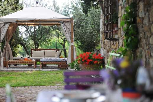 Villa Cignano - Villa Cignano offers a variety of outdoor seating areas.