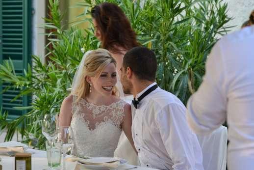 Villa D'Elsa - The bride and groom seated at the villa