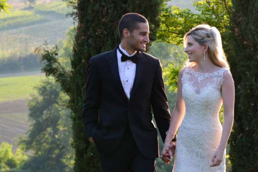 Villa D'Elsa - The look of love! The perfect setting for wedding photos