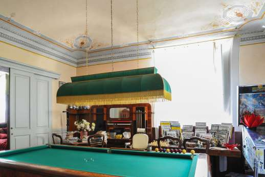 Villa De Lanfranchi - Games room with billiard table.
