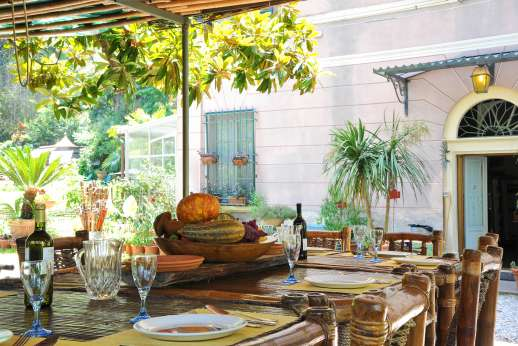 Villa De Lanfranchi (x 14 people) with Staff and Cook - A pergola ideal al fresco dining.