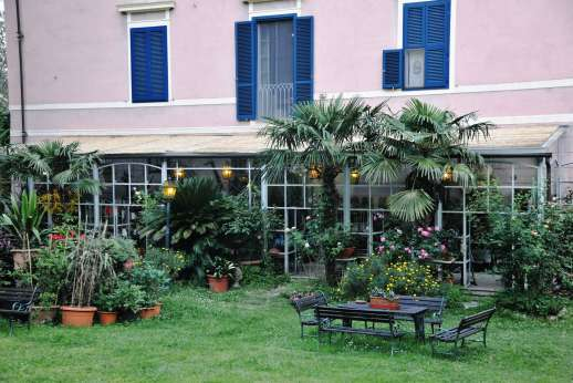 Villa De Lanfranchi (x 14 people) with Staff and Cook - There are many exotic plants adorning the conservatory.